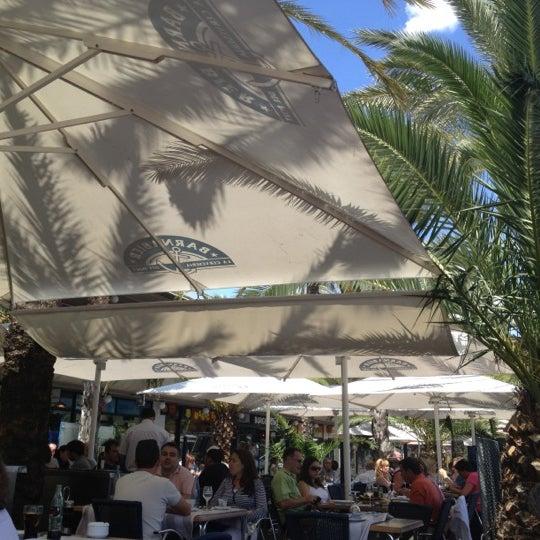 6/12/2012 tarihinde Alexandra D.ziyaretçi tarafından Barnabier'de çekilen fotoğraf