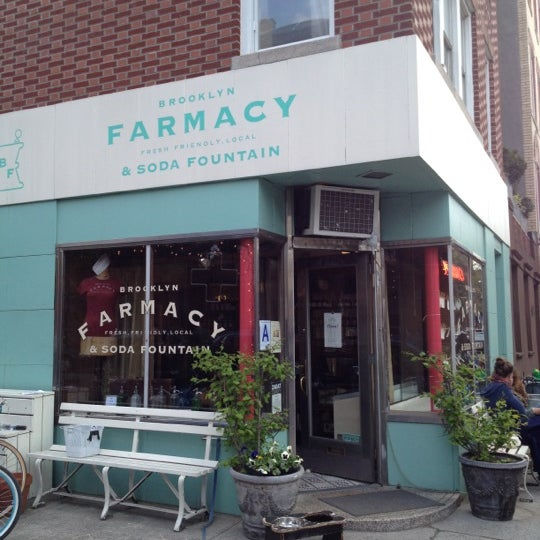 Foto scattata a Brooklyn Farmacy & Soda Fountain da @JaumePrimero il 4/10/2012