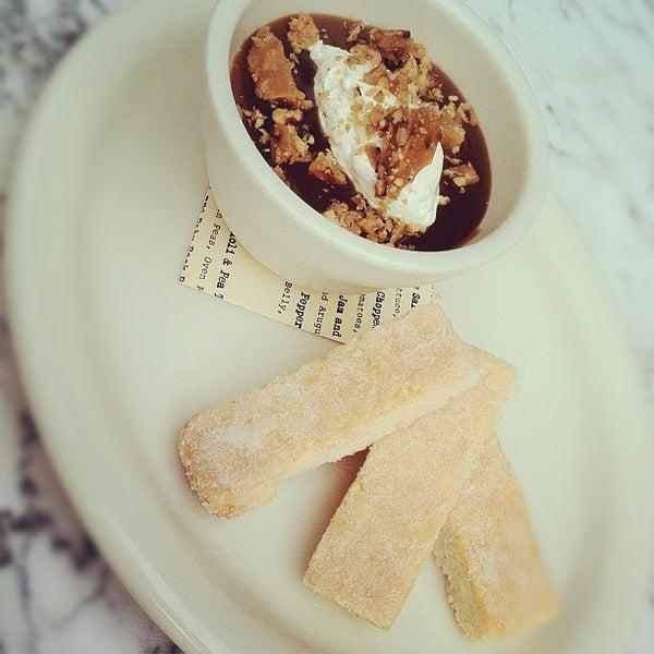 Foto tirada no(a) Bankers Hill Bar & Restaurant por Keaton O. em 5/4/2012
