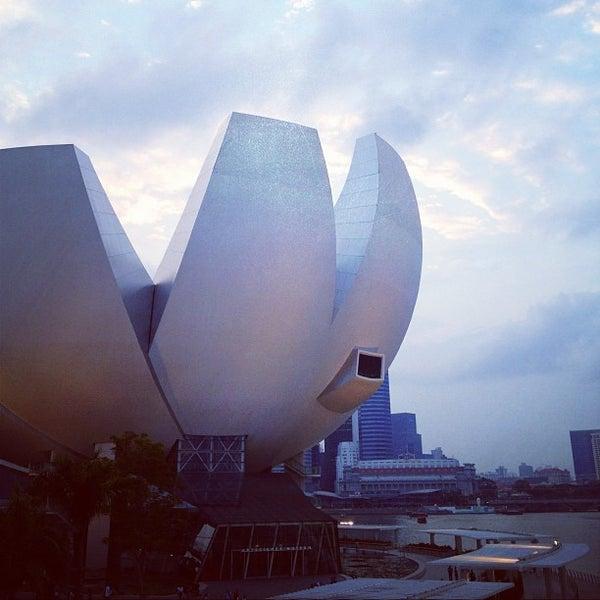 Foto tomada en ArtScience Museum por Jocelyn K. el 8/22/2012