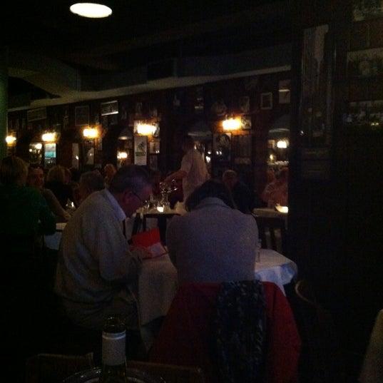 Foto diambil di Joe Allen oleh Donald S. pada 4/23/2012
