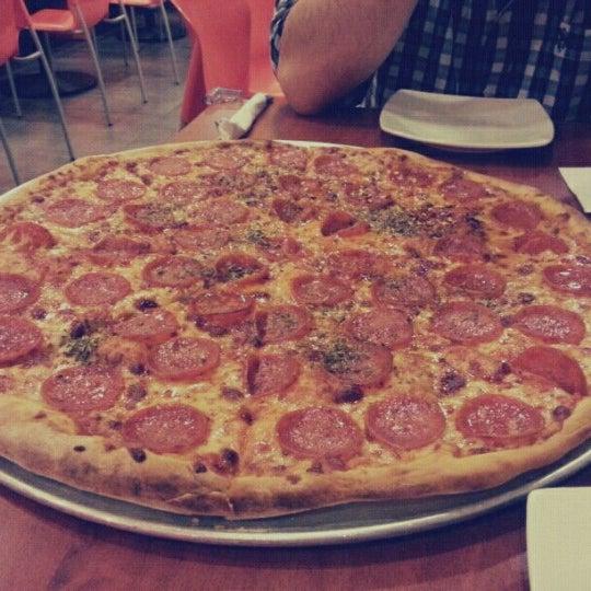 Foto tomada en Da Noi Pizzeria Ristorante por Elvis M. el 6/22/2012