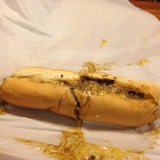 Foto scattata a Woody's Famous CheeseSteaks da Alex M. il 3/24/2012