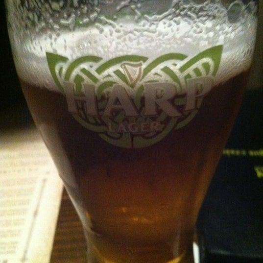 Foto tirada no(a) Tigin Irish Pub por Mike L. em 3/29/2012
