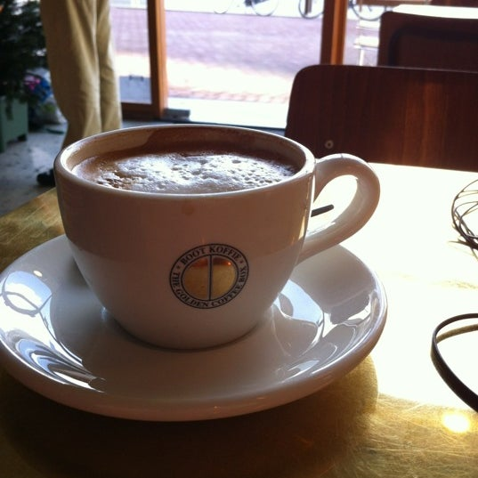 Great cappuccino's, and a nice terrace when the sun is shining.