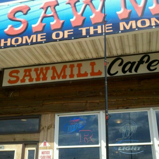 Foto scattata a The Sawmill da Jason P. il 4/9/2012