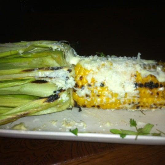 Снимок сделан в Alma Cocina пользователем Roslyn F. 7/28/2012