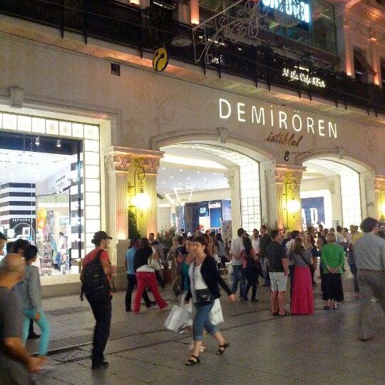 Foto scattata a Demirören İstiklal da Kadir Ö. il 9/2/2012
