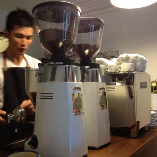 5/6/2012にDennis Q.がNylon Coffee Roastersで撮った写真
