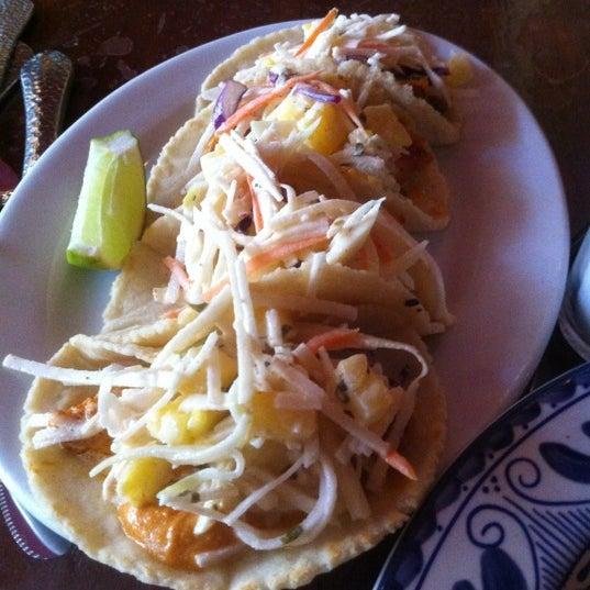 8/2/2012 tarihinde Stacey H.ziyaretçi tarafından Colibrí Mexican Bistro'de çekilen fotoğraf