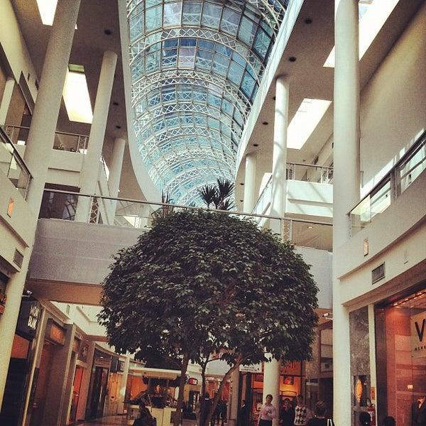 Foto tirada no(a) Shopping Crystal por Thiago S. em 8/2/2012