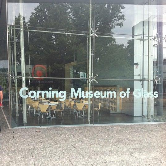 Photo prise au Corning Museum of Glass par Susie R. le7/22/2012