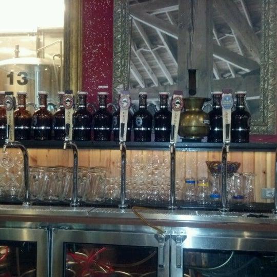 Foto scattata a Deschutes Brewery Portland Public House da Andrew J. il 6/18/2012