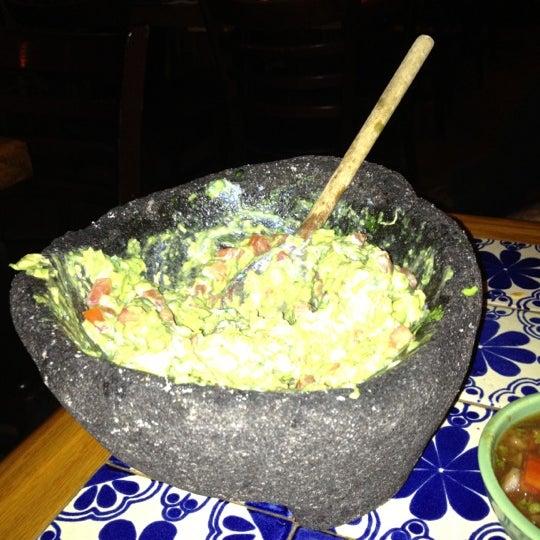 Foto scattata a Burrito Loco da Felipe O. il 6/20/2012