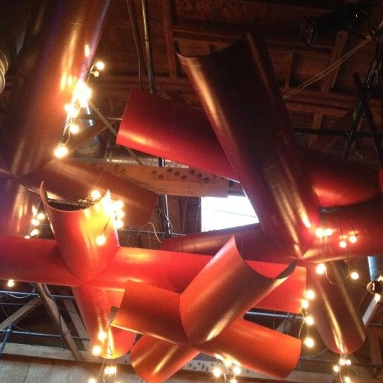 5/8/2012にSarah L.がBootleg Bar & Theaterで撮った写真