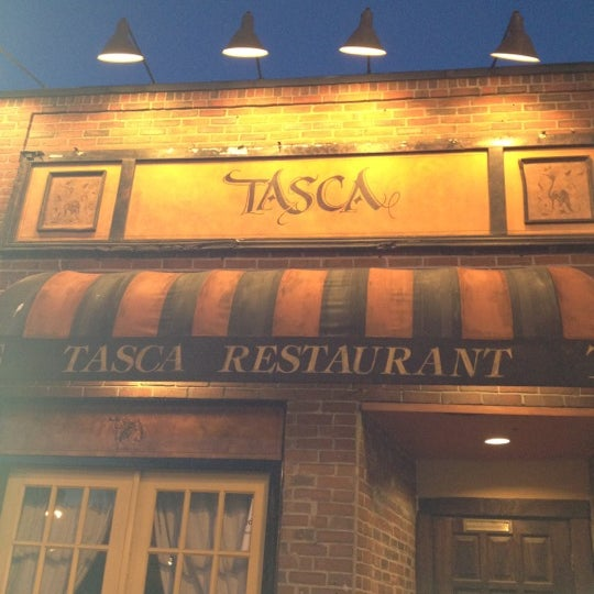 4/13/2012にDiana W.がTasca Spanish Tapas Restaurant & Barで撮った写真