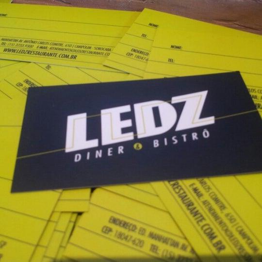 Foto tomada en Ledz Diner & Bistrô por Leonardo L. el 7/21/2012