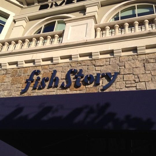 Das Foto wurde bei Fish Story von Kara K. am 8/14/2012 aufgenommen