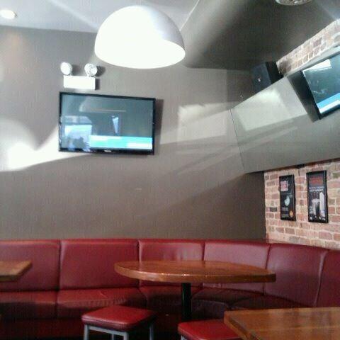 Photo prise au Citizen Bar Chicago par Eddie J. le3/14/2012