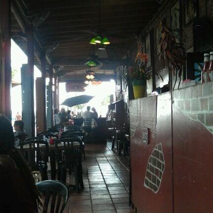 Foto diambil di El Meson de Pepe Restaurant & Bar oleh Erica L. pada 4/27/2012