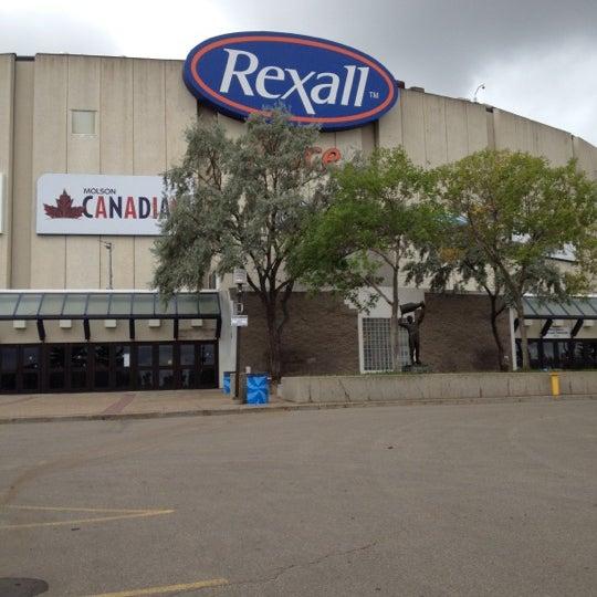 9/5/2012 tarihinde Molly C.ziyaretçi tarafından Northlands Coliseum'de çekilen fotoğraf