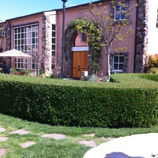 Foto scattata a Peju Province Winery da Marcie N. il 4/4/2012