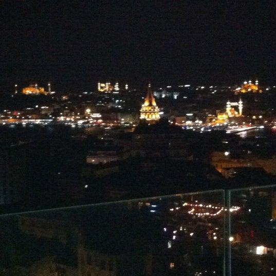 Foto diambil di Mikla oleh Lisette pada 8/17/2012
