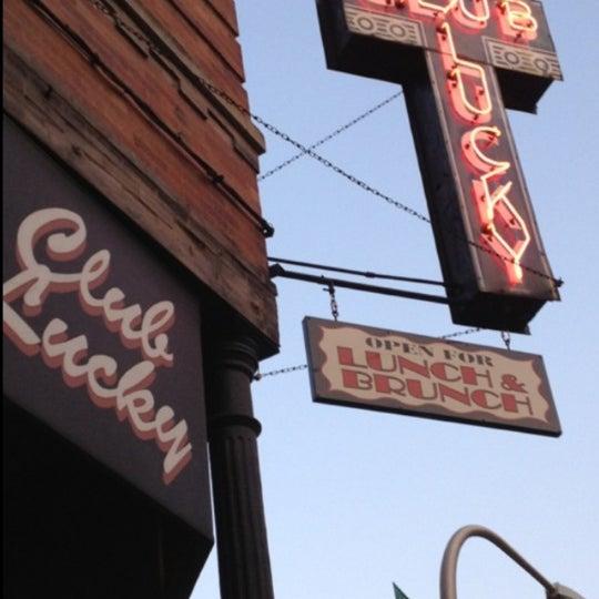 5/28/2012에 Lianna T.님이 Club Lucky에서 찍은 사진