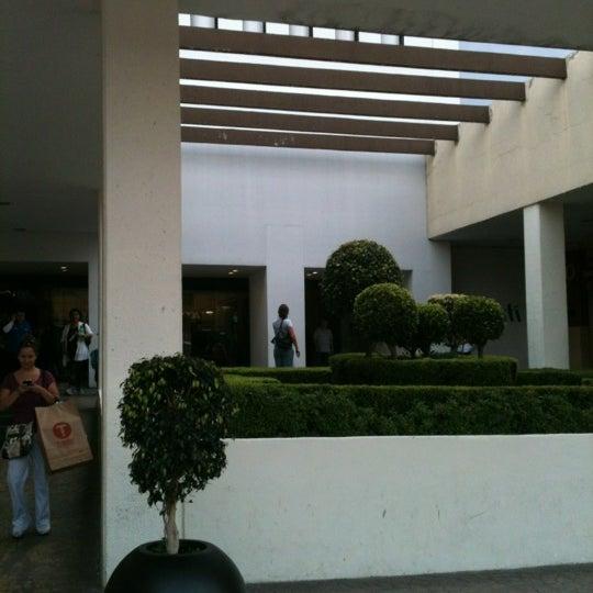 Снимок сделан в Plaza Universidad пользователем Rubén C. 8/26/2012