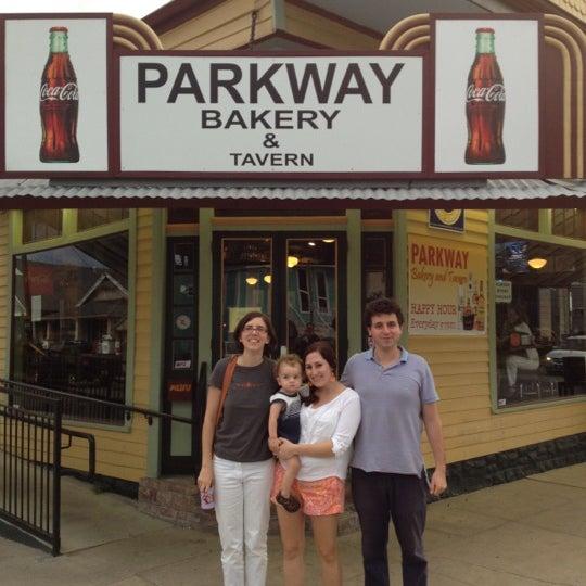 8/3/2012にAustin L.がParkway Bakery & Tavernで撮った写真