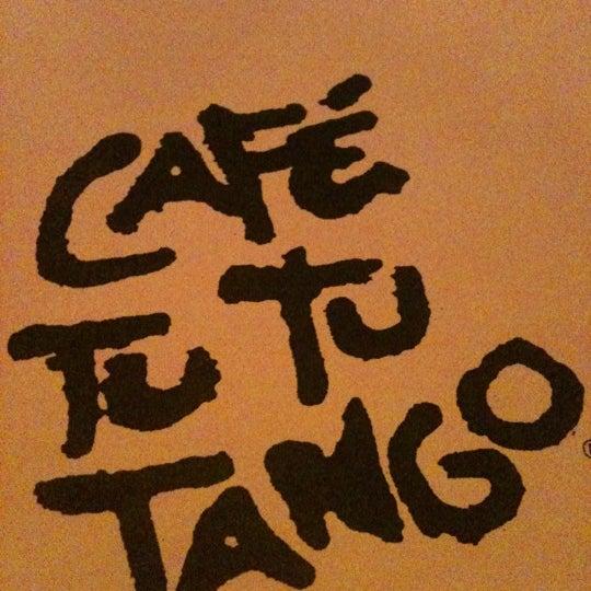 Foto diambil di Café Tu Tu Tango oleh Elaine P. pada 5/27/2012