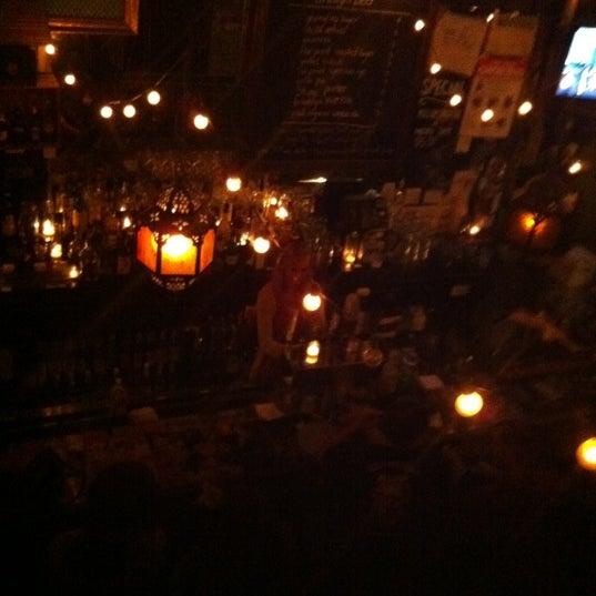Photo prise au Lulu's par Nick R. le2/17/2012