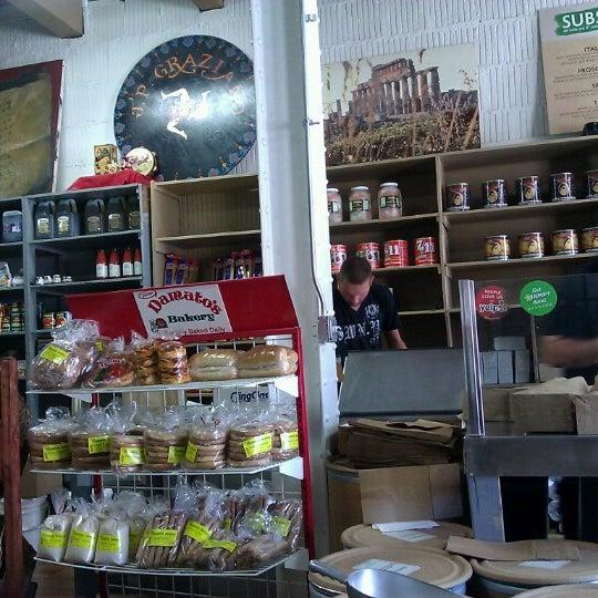 Снимок сделан в J.P. Graziano Grocery пользователем Ivan S. 6/26/2012