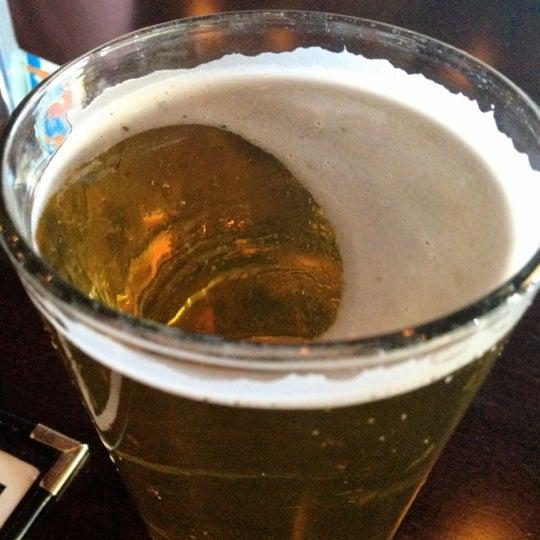 Foto scattata a OT Tavern da Chris D. il 6/27/2012