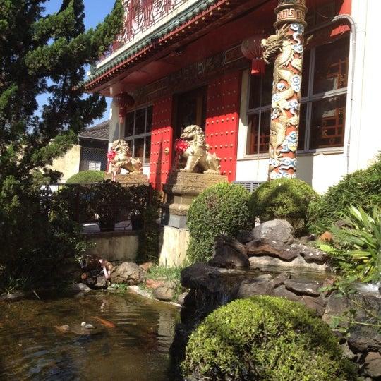 Снимок сделан в Golden Plaza Chinese Restaurant пользователем Marcinha M. 6/27/2012