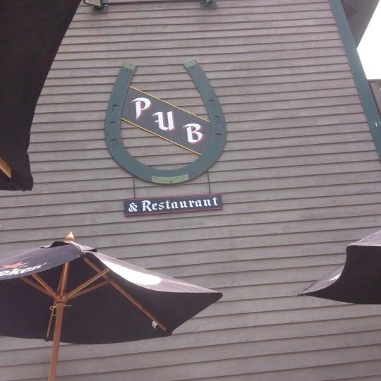 Das Foto wurde bei Horseshoe Pub & Restaurant von Veronica R. am 6/17/2012 aufgenommen