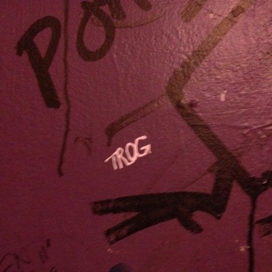 Das Foto wurde bei Nowhere Bar von Chad R. am 2/21/2012 aufgenommen