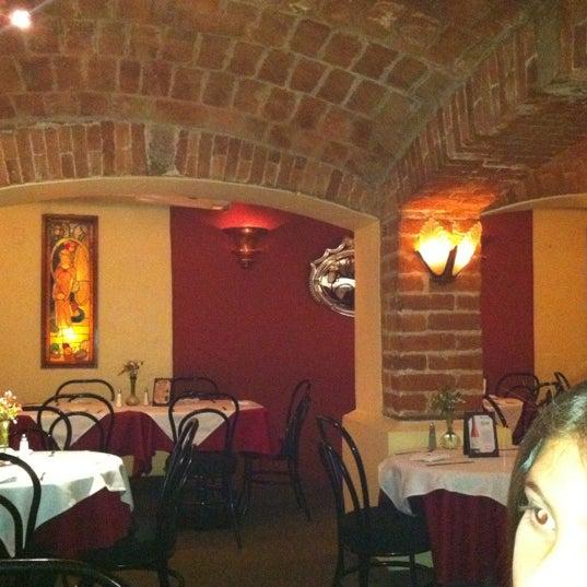 Снимок сделан в Cluny пользователем Eduardo R. 2/19/2012