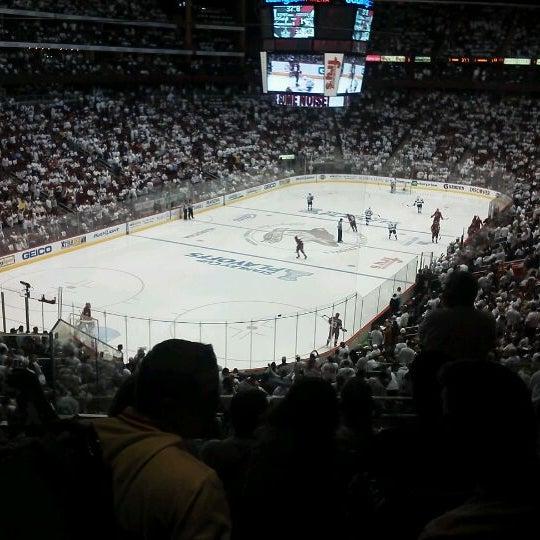 5/23/2012 tarihinde Donna B.ziyaretçi tarafından Gila River Arena'de çekilen fotoğraf