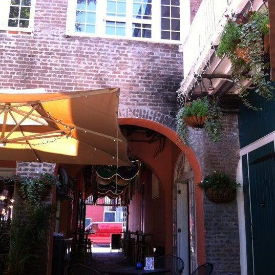 Foto tomada en Bourbon Heat por Paul G. el 4/18/2012