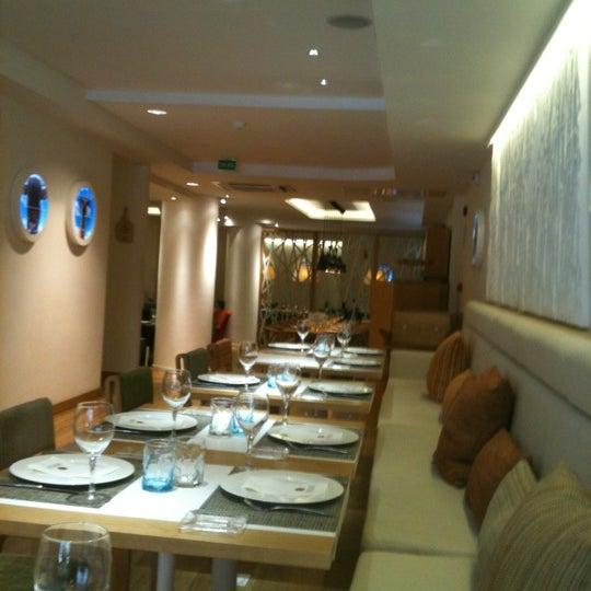 Foto scattata a Poncelet Cheese Bar da Alvaro P. il 6/16/2012