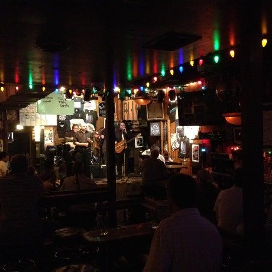 6/27/2012 tarihinde Kurt K.ziyaretçi tarafından B.L.U.E.S.'de çekilen fotoğraf