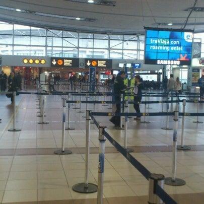 Foto tomada en Aeropuerto Internacional Comodoro Arturo Merino Benítez (SCL) por Jorge B. el 9/3/2012