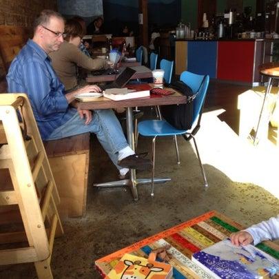 8/18/2012에 Liz M.님이 Peace Coffee Shop에서 찍은 사진