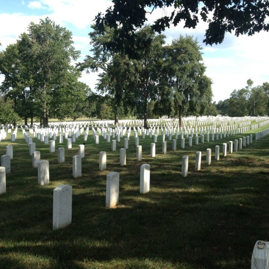Foto scattata a Arlington National Cemetery da Stephen R. il 8/18/2012