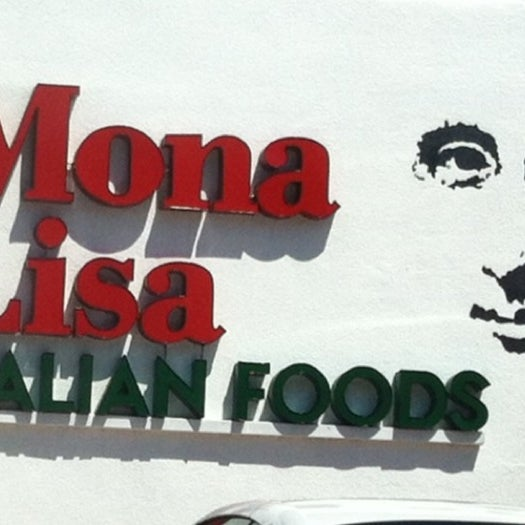 Das Foto wurde bei Mona Lisa Italian Restaurant von Catalina G. am 4/15/2012 aufgenommen