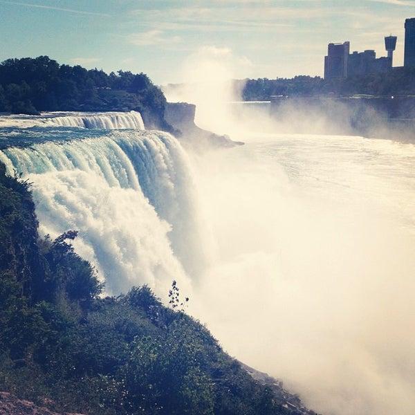 9/12/2012 tarihinde Ryan B.ziyaretçi tarafından Niagara Falls USA Official Visitor Center'de çekilen fotoğraf
