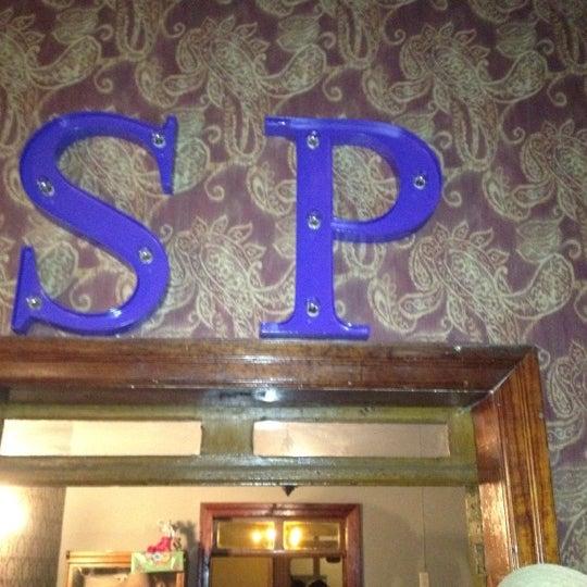 Снимок сделан в Salón Púrpura пользователем Sorprendente C. 6/3/2012