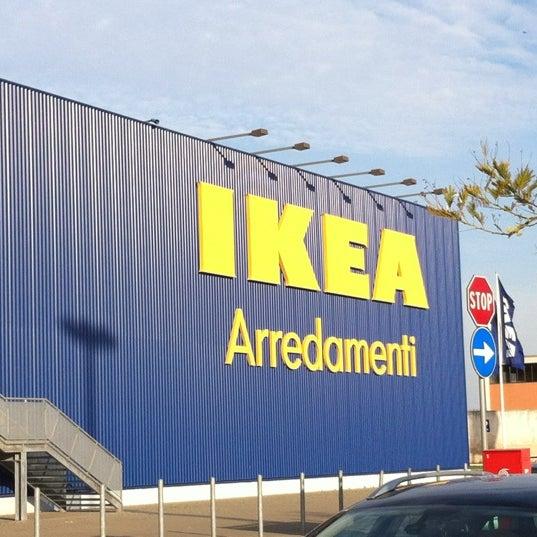 IKEA - Möbel- / Einrichtungsgeschäft in Bari