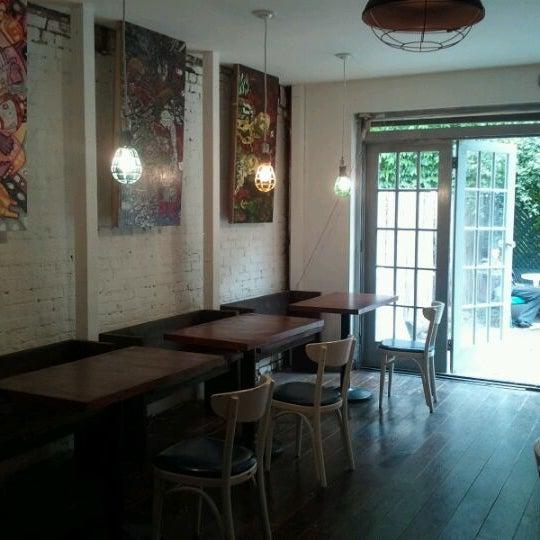 Foto tirada no(a) Brooklyn Kolache Co. por Kristin C. em 5/10/2012